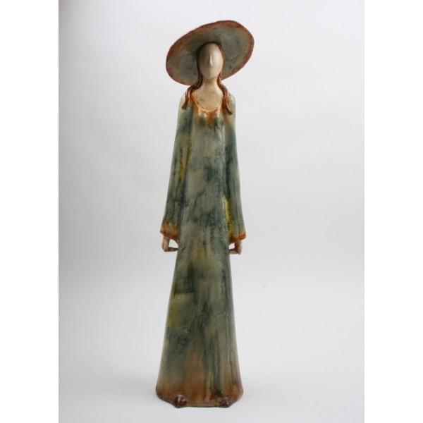 beeld met hoed-aardewerk-bl-brigitte